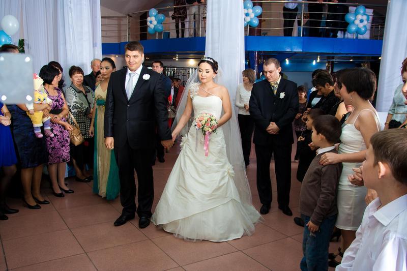 Продам свадебное платье - Алматы - Одежда, обувь, аксессуары ...Продам свадебное платье Алматы - Алматы - Одежда, обувь