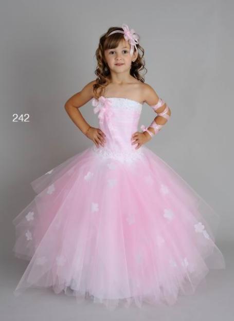 Платья детские праздничные