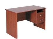 столы для офиса орехового цвета в хорошем состояний