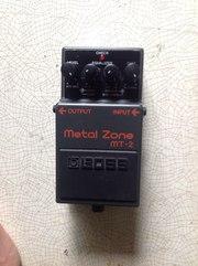Педаль эффектов для гитары Boss MT-2 Metal Zone