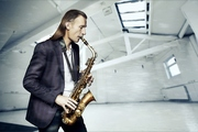 Саксофонист на Торжества!