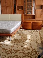 Итальянская двуспальная кровать c тумбочками и матрасом.