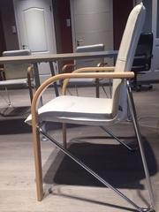 Офисные кресла,  б/у,  подходят для конференций,  семинаров,  зала приемов