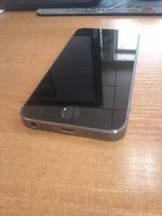 Продам IPhone 5S 32 GB цвет серый,  в отличном состоянии,  торг уместен