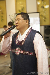 Корейский поющий тамада Юрий Ли в Алматы