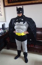 Взрослые карнавальные костюмы Бетмен и Спайдермен с мускулами