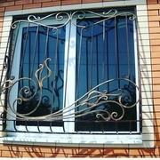 Решетки на окна накладные и встроенные