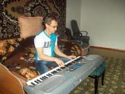 Обучение на гитаре , синтезаторе в Алматы