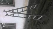 Продам лестницы-стремянки.