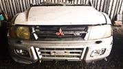 Капот,  бампер,  фары,  решетка на Mitsubishi Pajero 3