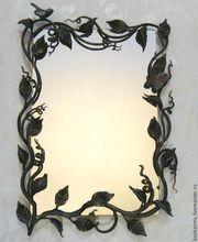 Зеркало с кованым обрамлением