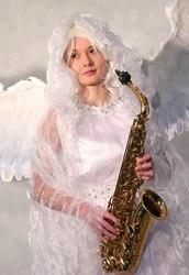 Ангел саксофонист на встречу гостей от Tesla art lab