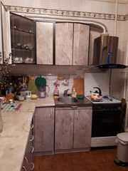 кухонный гарнитур и вытяжка