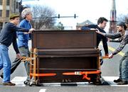 Профессиональная перевозка переноска пианино фортепиано доставка